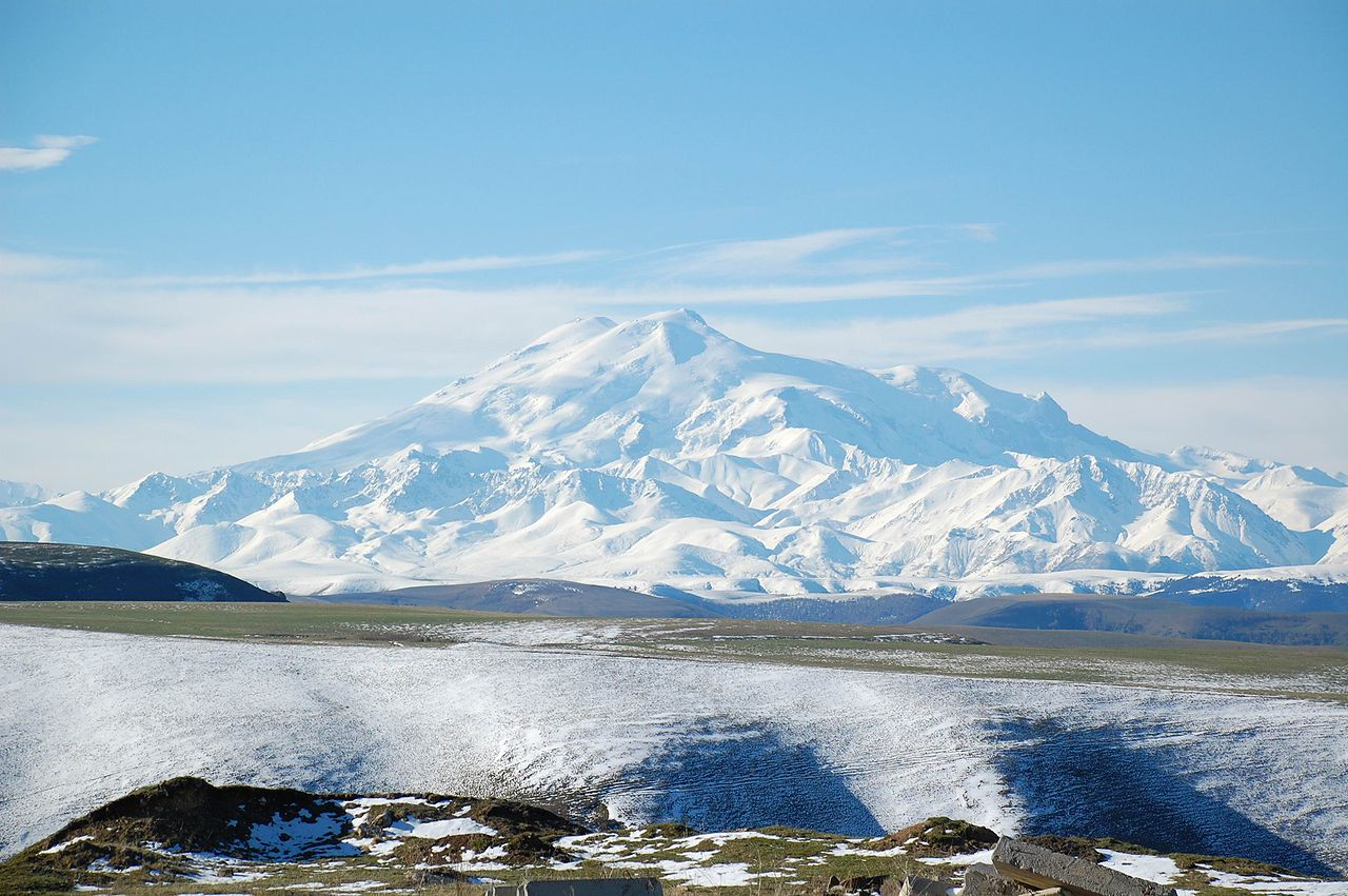 Mount Elbrus, from the North / Wikimedia
